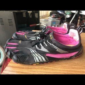 Vibram Fivefingers Women's Black Pink Shoes SZ. 10